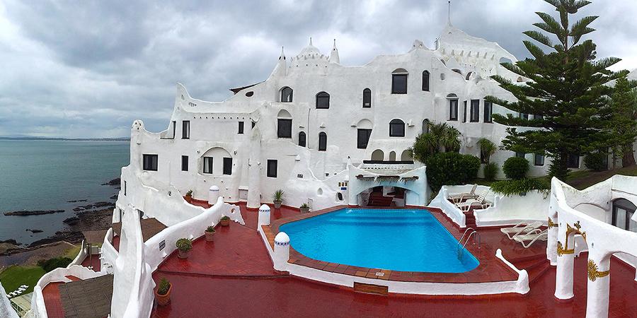 Vistas of casapueblo at punta ballena uruguay claire - Casa pueblo fotos ...