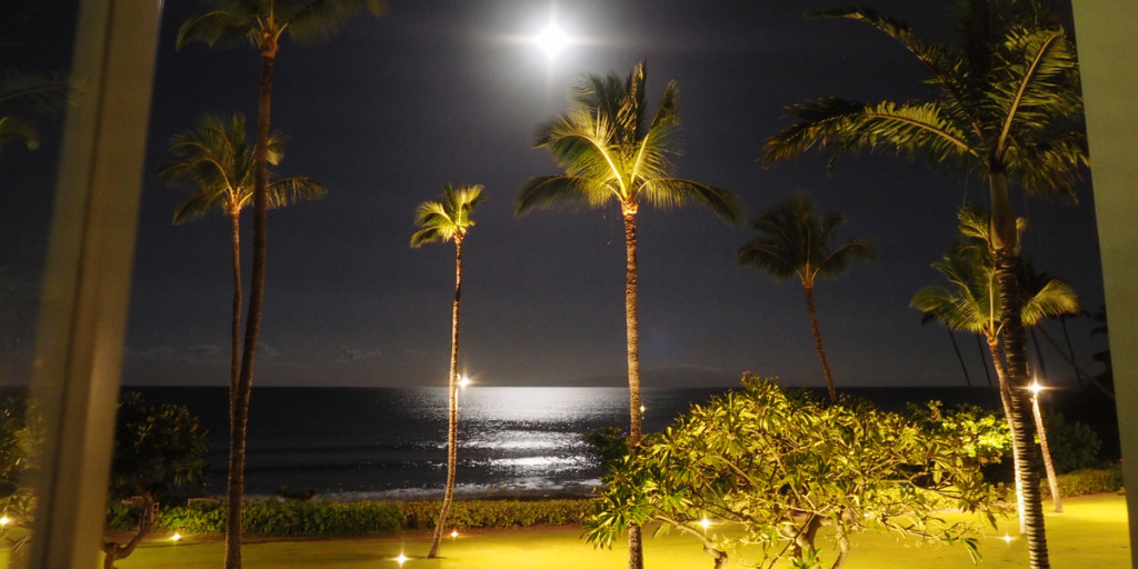 Fairmont Kea Lani - Full Moon and Ocean Breeze at night.
