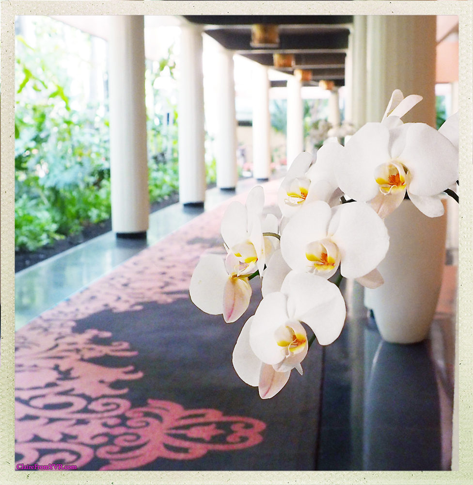 From its palatial reception to its sumptuous amenities, The Royal Hawaiian has claimed its rightful place as the icon of luxury and refinement in Hawaii for 90 years.